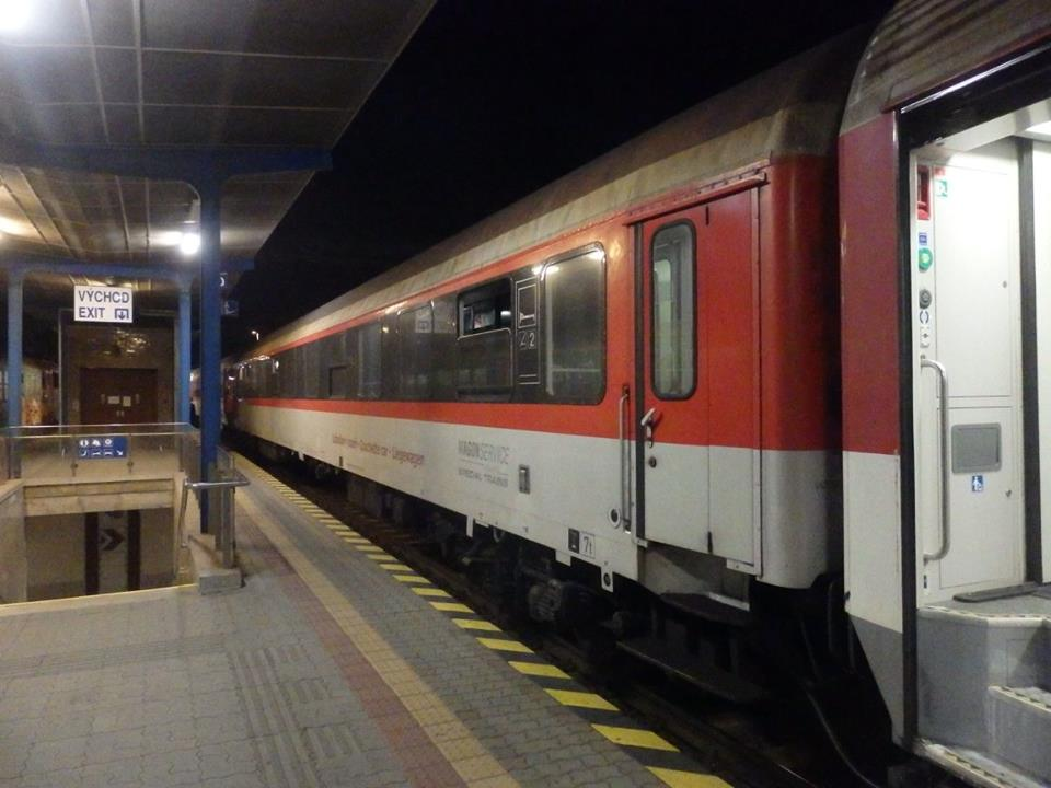 a_couchtette_car_of_zss_type_bcmh_standing_at_railway_station_bratislava_hl_st_in_composition1_09_09_2017.jpg