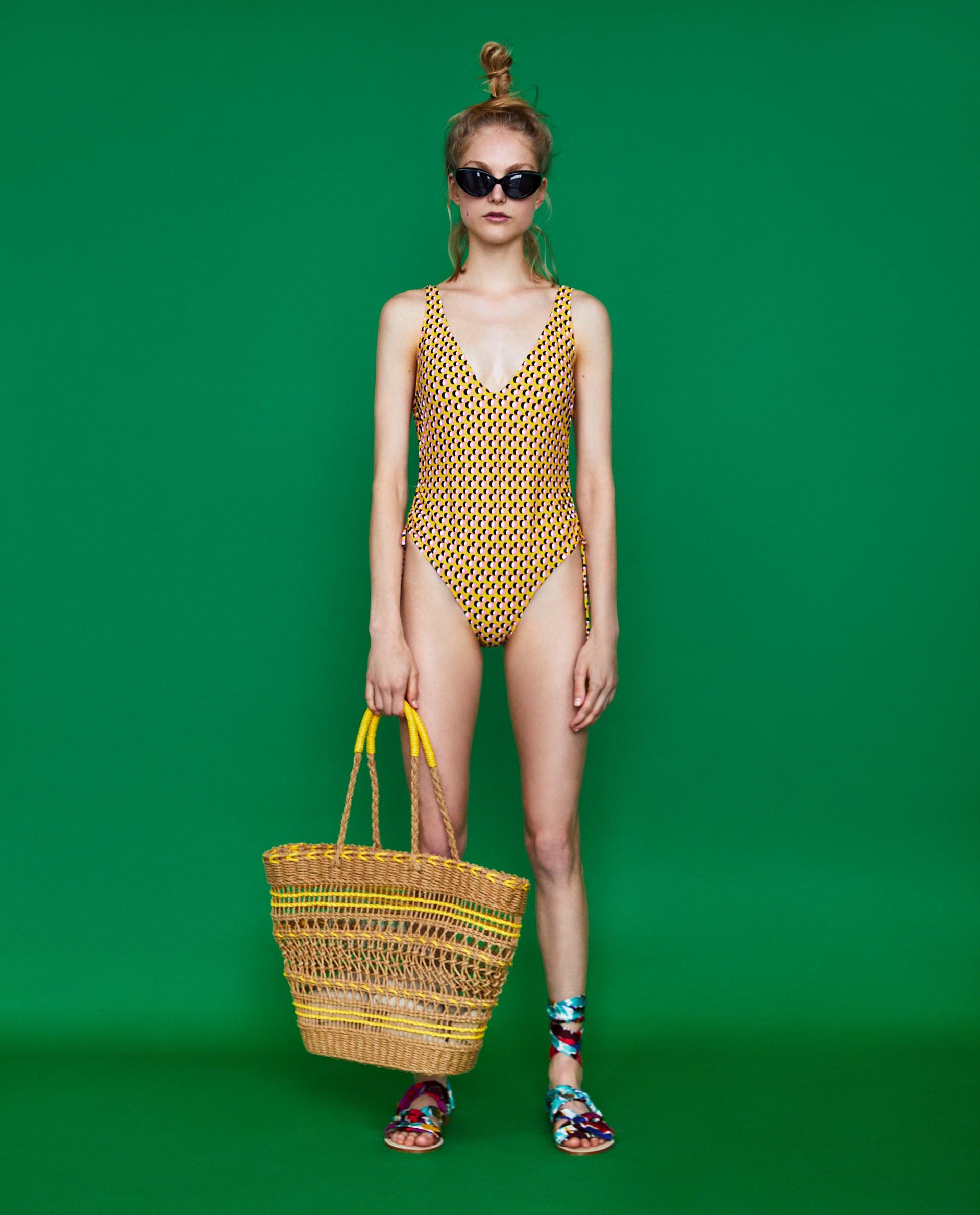 sarga_pottyos_mintas_egyreszes_furdoruha_nyar_nyaralas_strandszezon_furdoruha_divat_divatblog_fashion_blog.jpg