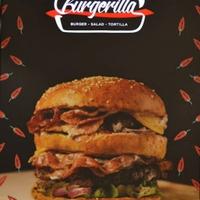 Dübörög a Burgerilla, mi pedig leteszteltük