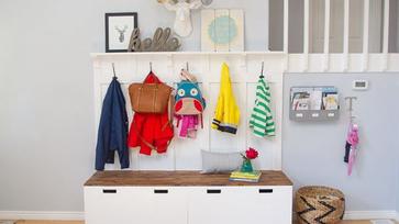 Ikea hack ötletek: Stuva padból előszobafal