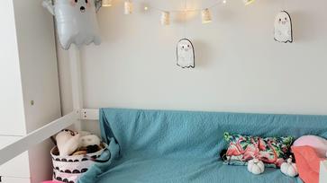 Pikk-pakk Halloween dekoráció a gyerekszobába papír poharakból és tányérokból