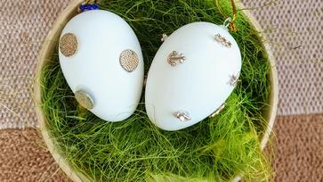 Régi fülbevaló, mint húsvéti tojásdísz