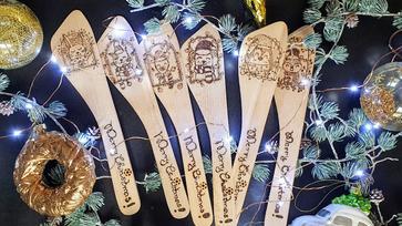 Übercuki karácsonyi mintás fakanál pirográffal