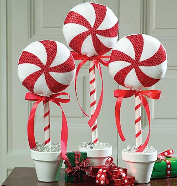 12_candy-outdoor-christmas-decorations_source.jpg