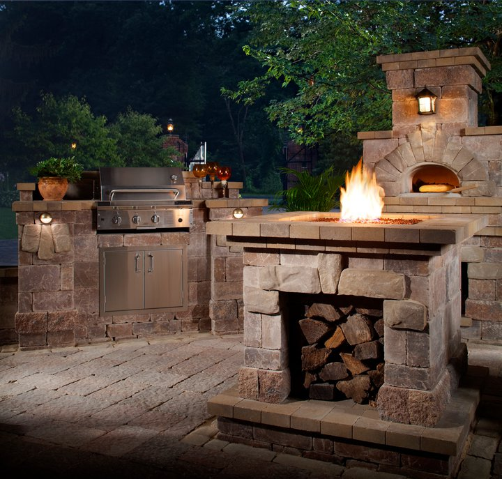 beautiful-outdoor-kitchen-and-pizza-oven.jpg
