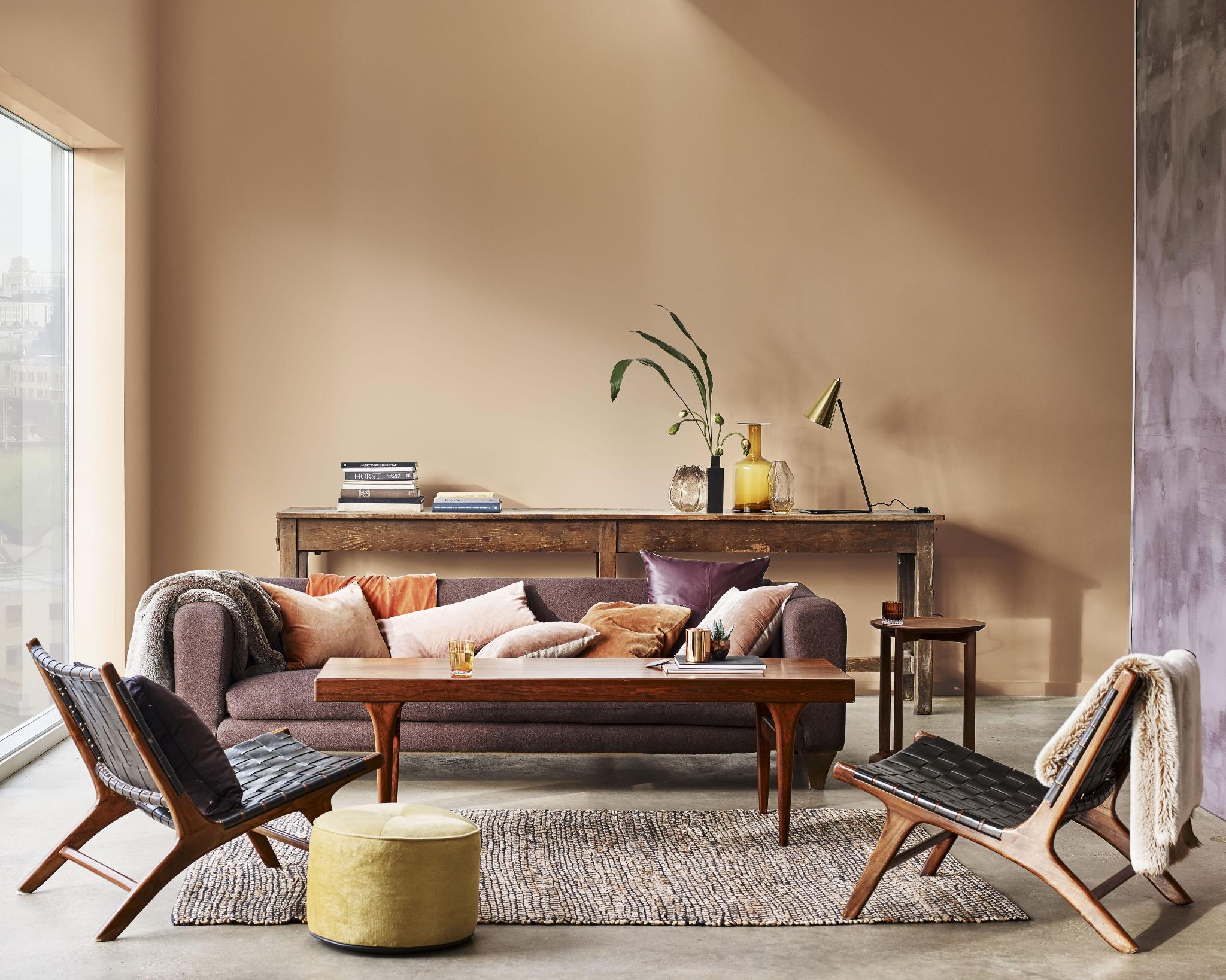 cf18_consumer_comforting_rye_livingroom2_1638-min.jpg