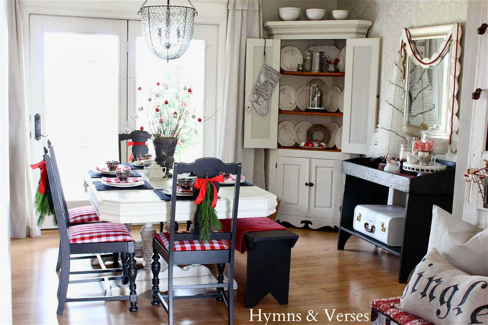 christmas_dining_room.jpg