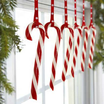 handmade-christmas-window-decorations.jpg