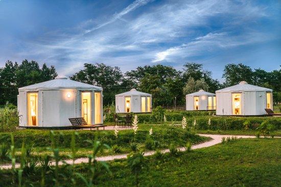 homoki-yurts-luxury-glamping.jpg