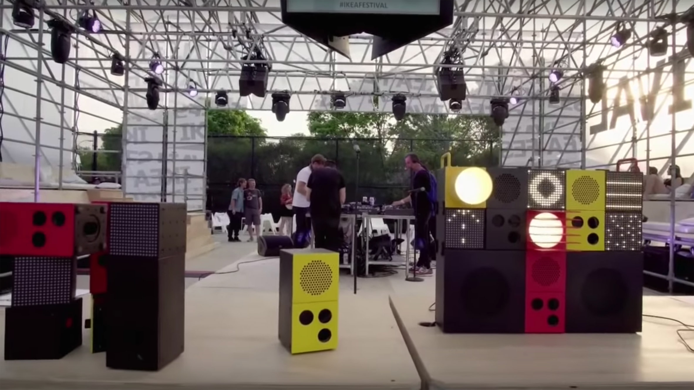 ikea-teenage-engineering-frekvens-speakers-lights_dezeen_2364_col_3.jpg