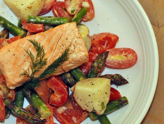 Salad-of-Asparagus-Potato-topped-with-Salmon-e1369690954230