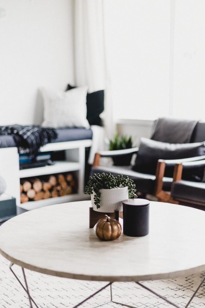 minimal-coffee-table-styling-for-fall-683x1024.jpg