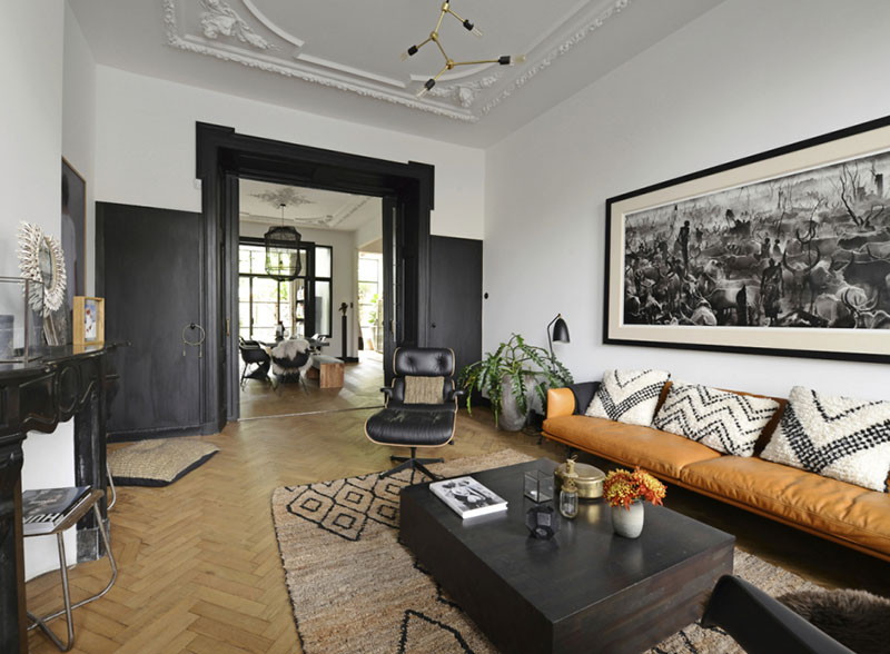 modern-interiors-in-old-townhouse-in-nehterlands-pufikhomes-1.jpg