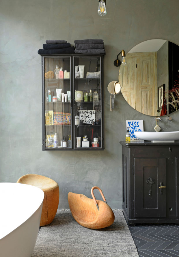 modern-interiors-in-old-townhouse-in-nehterlands-pufikhomes-12.jpg