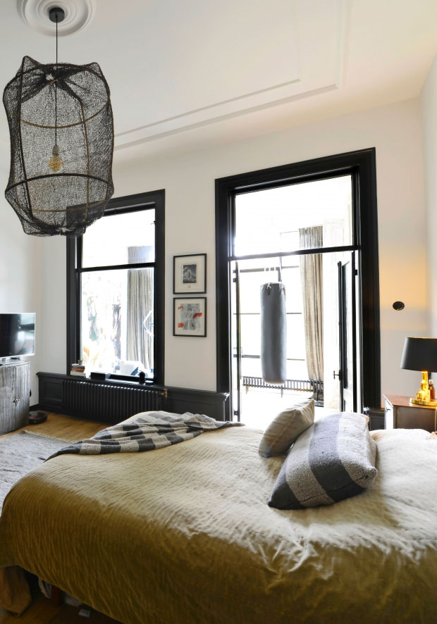modern-interiors-in-old-townhouse-in-nehterlands-pufikhomes-6.jpg