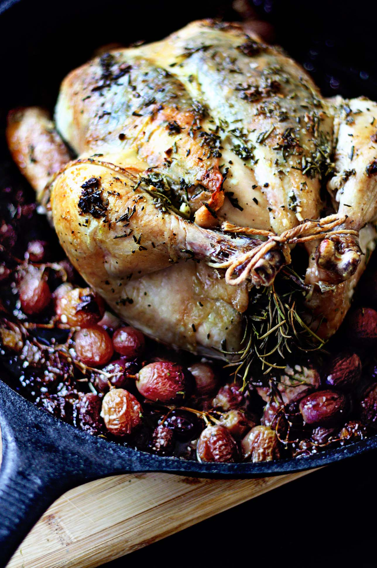 roasted-chicken-grapes-vert.jpg