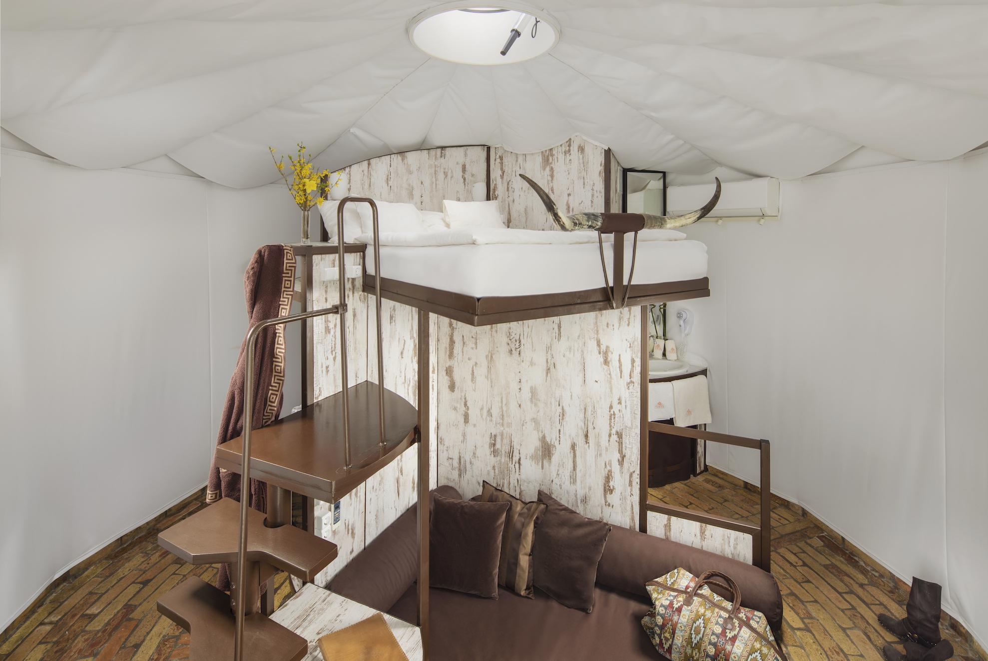 yurt-superior.jpg