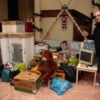 Adományokkal kívántak boldog karácsonyt az opelesek