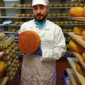 Egy magyar sajtkészítő tapasztalatai a Cheddarok, Caerphillyk és szagos sajtok hazájából