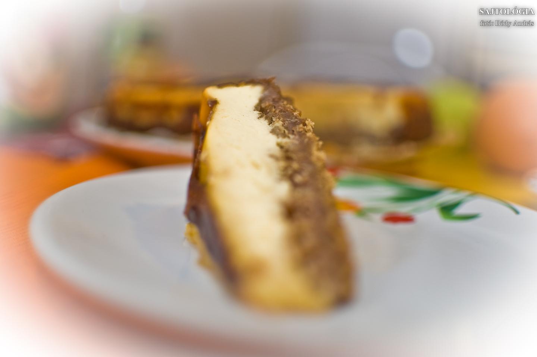 Baconös - sült hagymás sajttorta Philadelphiával; jó étvágyat hozzá! Elkészítéséhez gyorstalpaló a következő képeken.