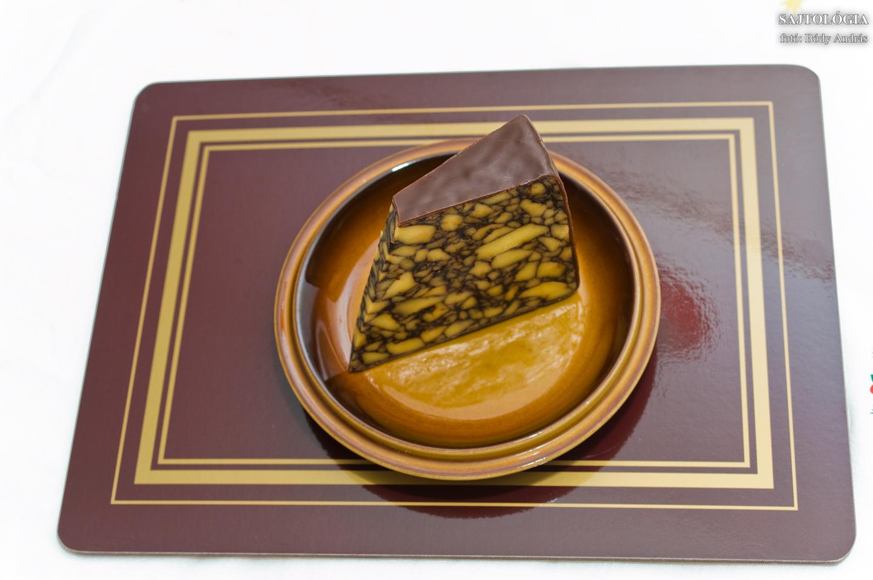 Az első Porter Cheddart Marion Cahill készítette 1759-ben. Éppen ezért Cahill's Porter Cheddar néven is ismert ez a sajt.