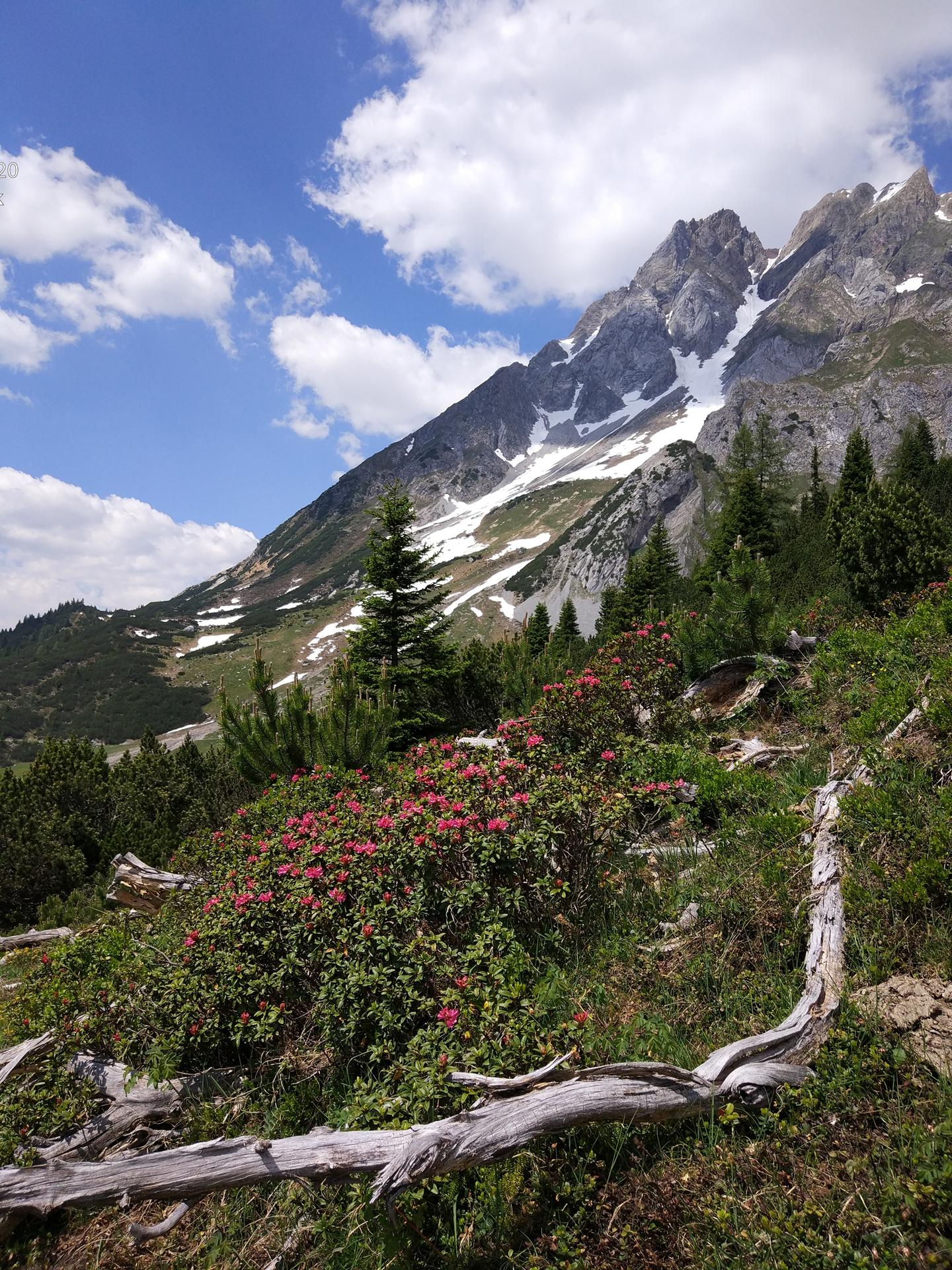 Július végén még hó a hegyekben!