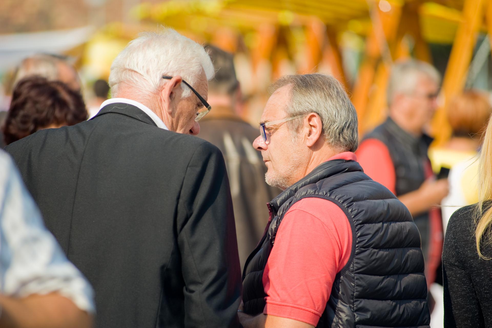 Kovács László és Lionel Guerin a vásári forgatagban