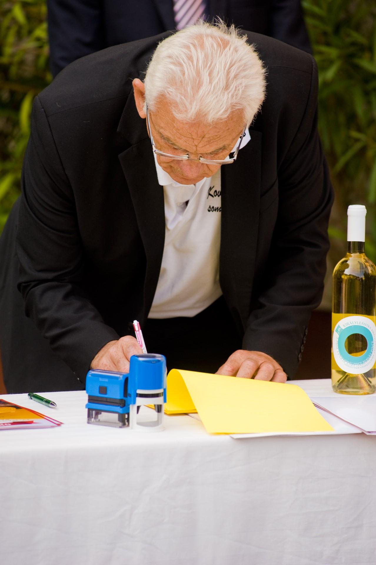 Ünnepélyes aláírása a Székely Sajtkészítők Kézműves Egyesülete és a KKASE- Sajtkészítők Egyesülete közötti Együttműködési Megállapodásnak