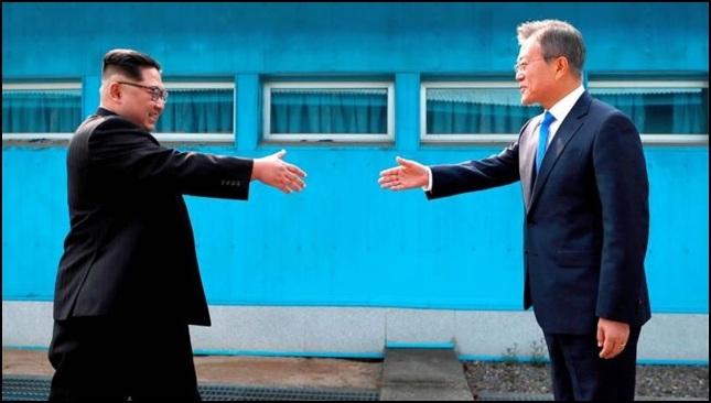 ket_koreai_elnok.jpg