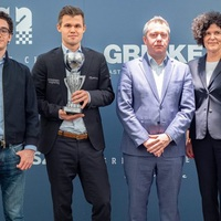 Az (N)agymenők versenyét Magnus Carlsen nyerte (9/7,5!, Élő: +14.4), másfél ponttal megelőzve Fabiano Caruanat - GRENKE Chess Classic  - Open - 2019 - 20th - 29th of April