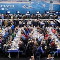 Videók: Radjabov 1-0 Vidit, Tata Steel Game of the Day, - Kramnik 0-1 Anand, Tata Steel (7)