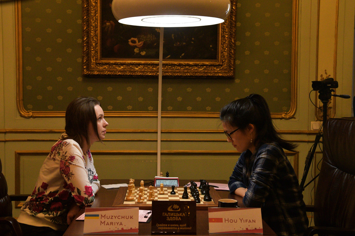 chess-women-lviv-2016-03-05_3974sa_hbr_1.jpg