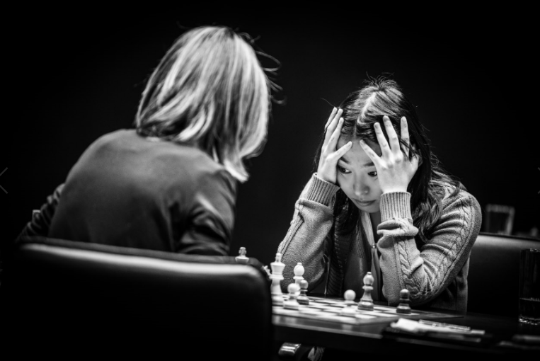 chess-womens-chess-queens-gambit1.png