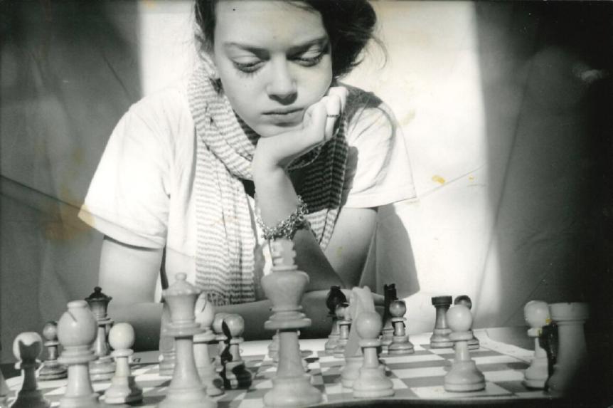nicole-maffeo-female-chess-players.png