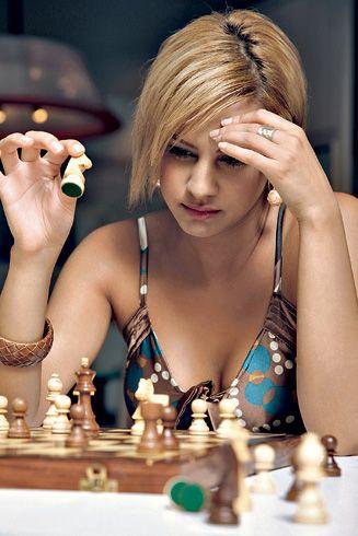 146e0f0b40e4278dd79c3d2f957d11e6--chess-play.jpg