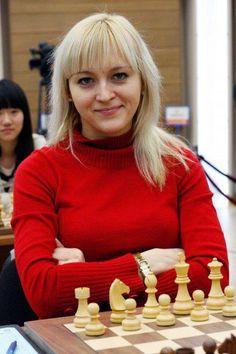 eaba72eca85c22944770eb7f20bc6751--chess-play-strategy-games.jpg