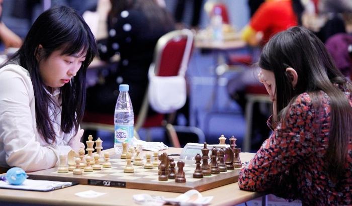 ju-pogonina-women-chess-2015-r2g1-sochi.JPG