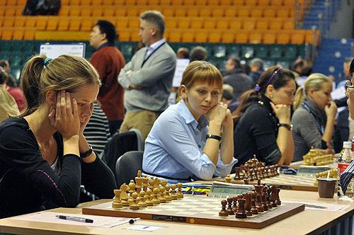 russia1_women.jpg