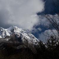 Túra a lavina-teknőben, éjjeli szánkózás és a gyerekcsináló szlovén pálinka