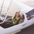 Egyedül két szárnnyal, motor nélkül:Az első egyedül repülés