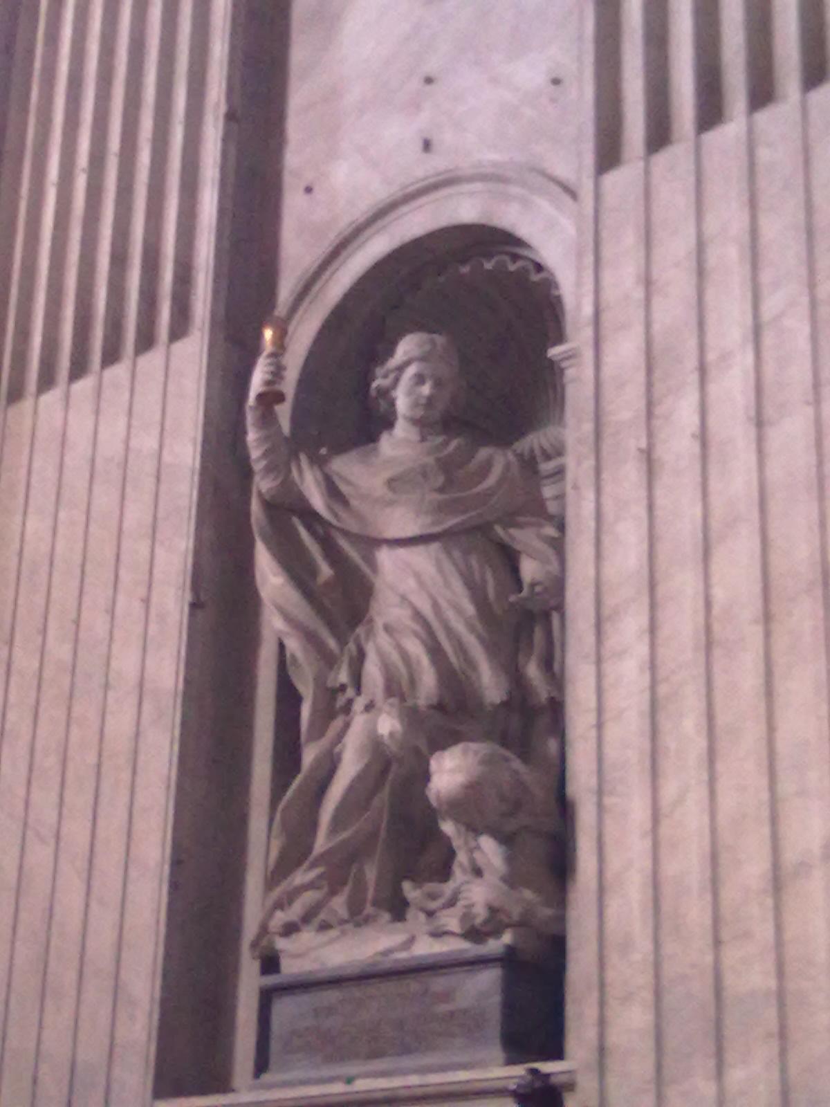 Szent Norbert szobra a Szent Péter Bazilikában - egész közel a szentélyhez