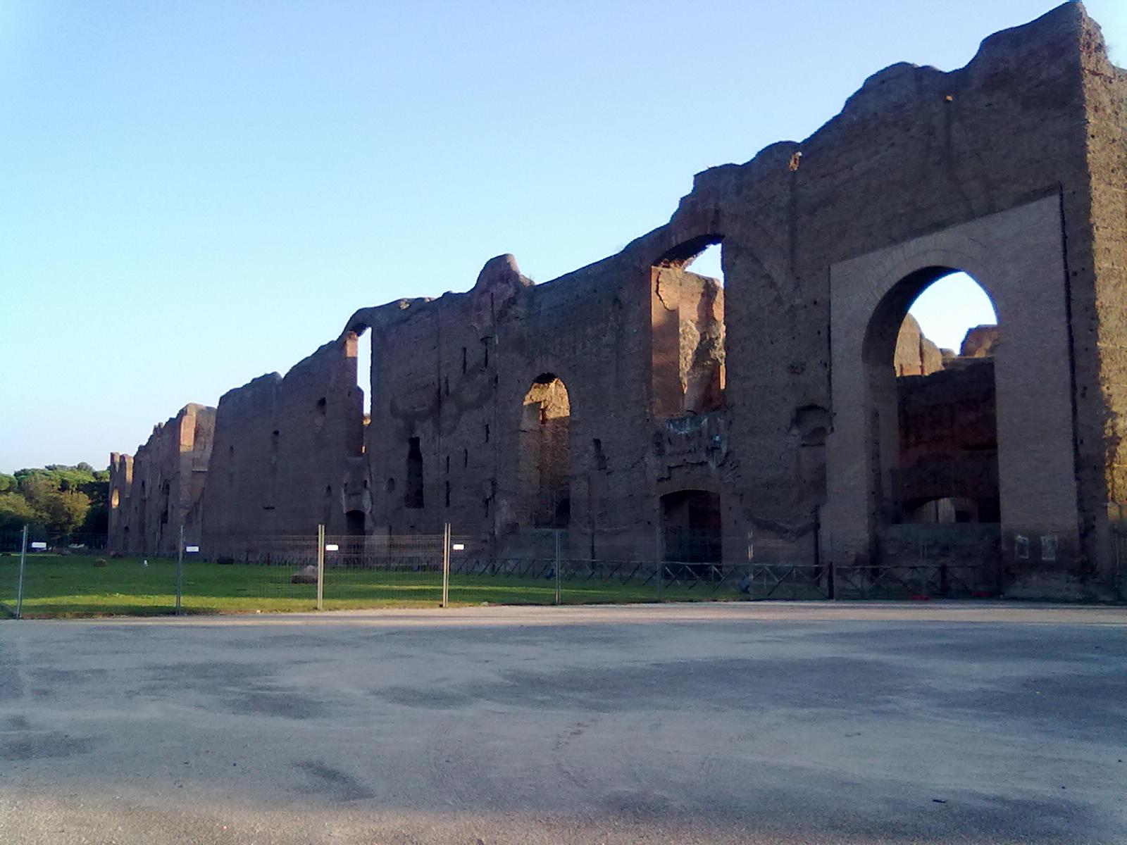 Caracalla termái - gyakorlatilag egy ókori wellness centrum volt, itt van tőlünk gyalog 5 percre