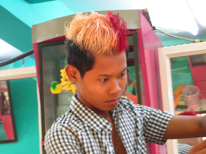 Élet egy burmai borbélyházban