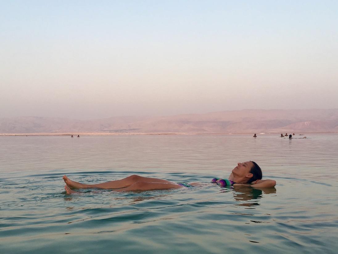 A Holt-tenger színei