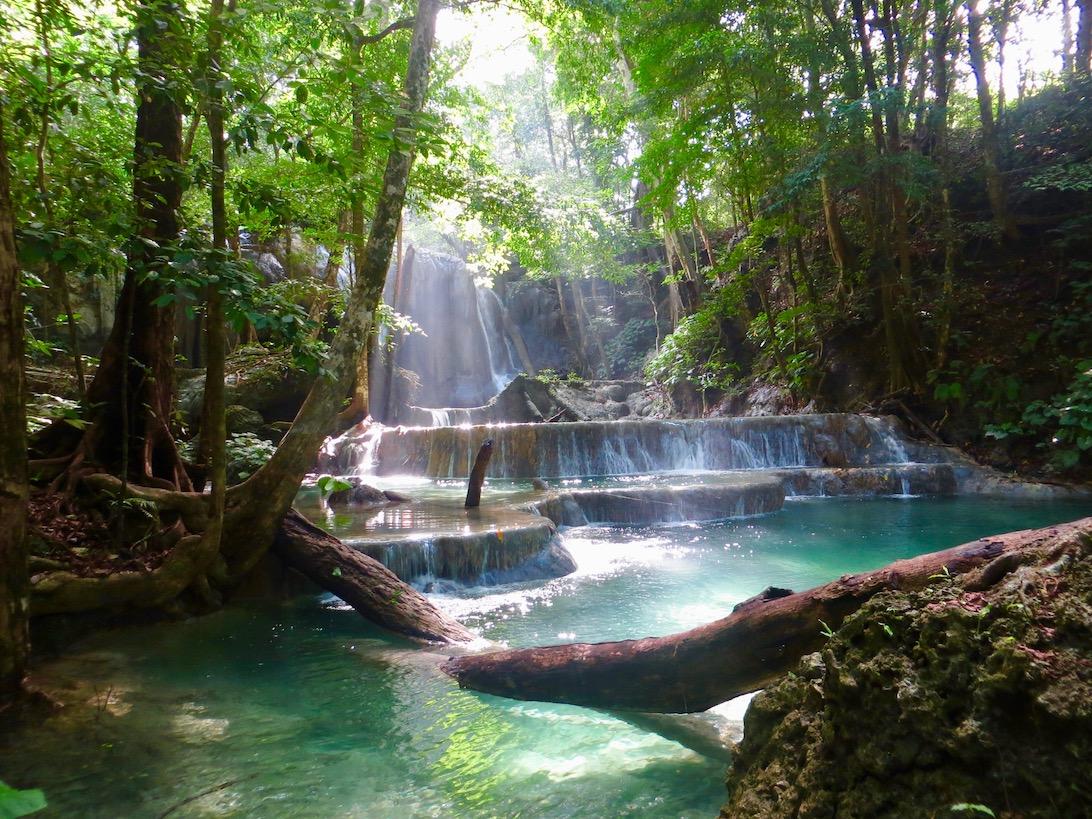 A világ legszebb vízesése Moyo szigetén