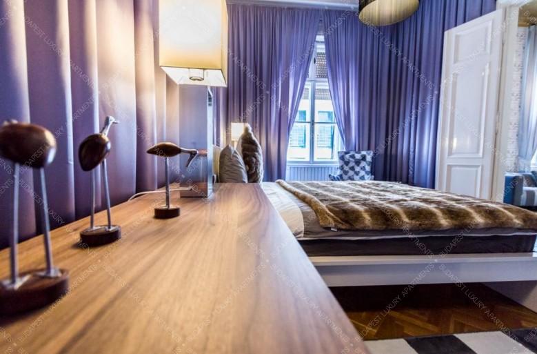 A Budapest Luxury Apartments kínálataban találtuk ezt a boutique stílusú 108 nm-es kiadó lakást