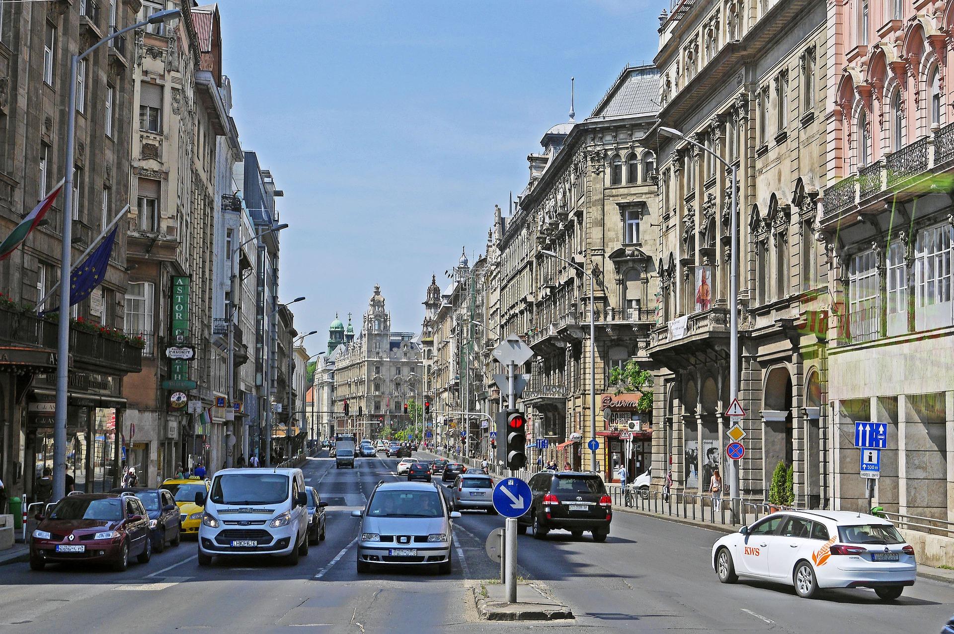 budapest-1349290_1920.jpg