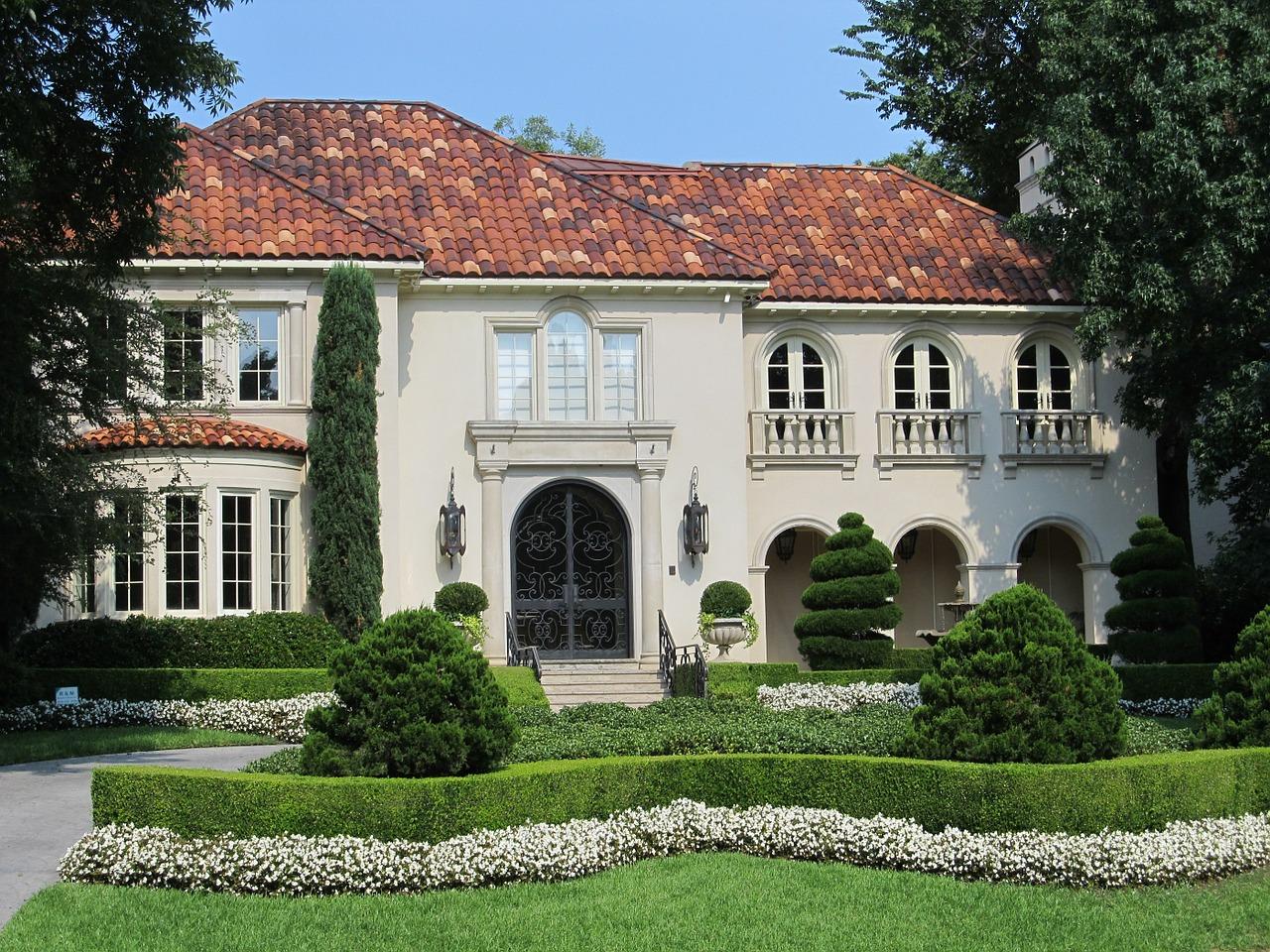 mansion-411128_1280.jpg