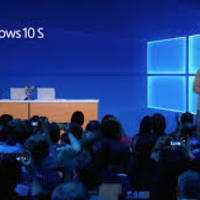 Itt a Windows 10S és a Surface Laptop