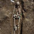 Csontvázas férfisír az Iseumból
